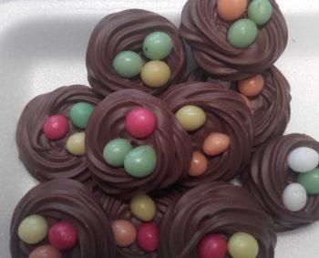 Vogelnestjes van overheerlijke roomchocolade 200 gram € 4,00